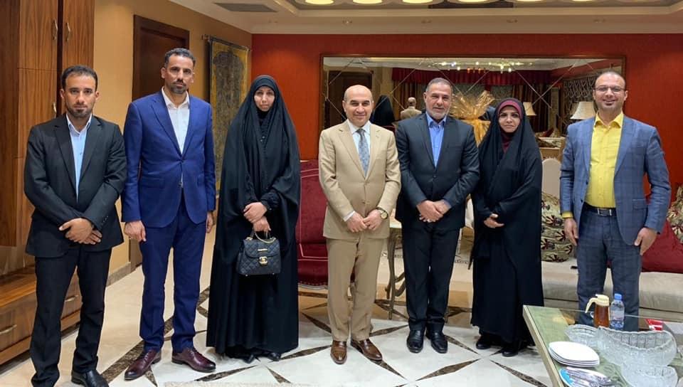 محافظ المثنى يلتقي وزير البلديات والاعمار والاسكان في مقر الوزارة بالعاصمة بغداد