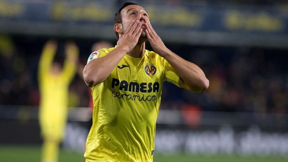 بعد غياب 4 سنوات.. كازورلا يعود إلى منتخب إسبانيا