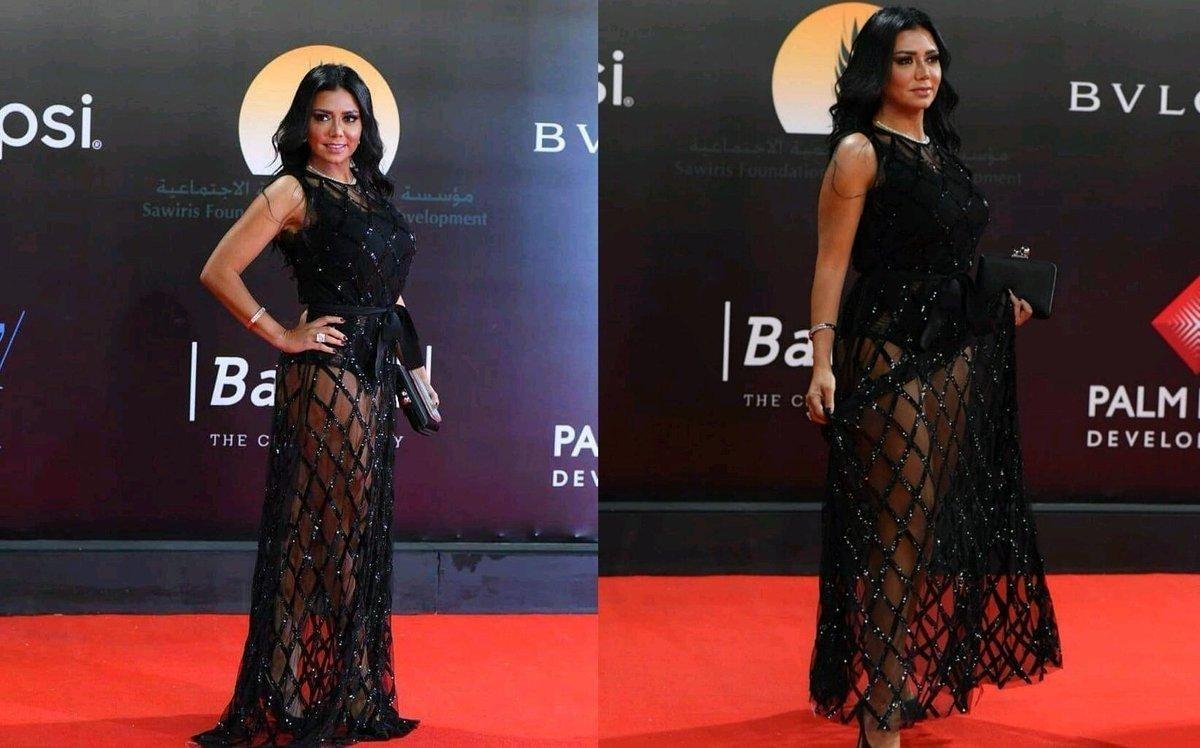 رانيا يوسف: فنانة سبب أزمة فستاني الشهيرة