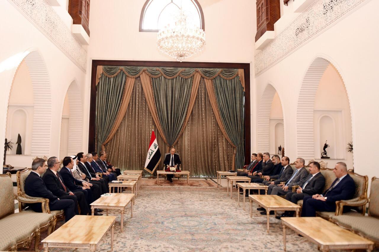 رئيس الجمهورية يؤكد الالتزام بالتوقيتات الدستورية لاختيار رئيس مجلس وزراء لحكومة مؤقتة