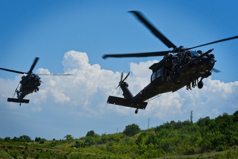 أميركا.. سقوط طائرة عسكرية في منطقة سكنية بولاية تكساس